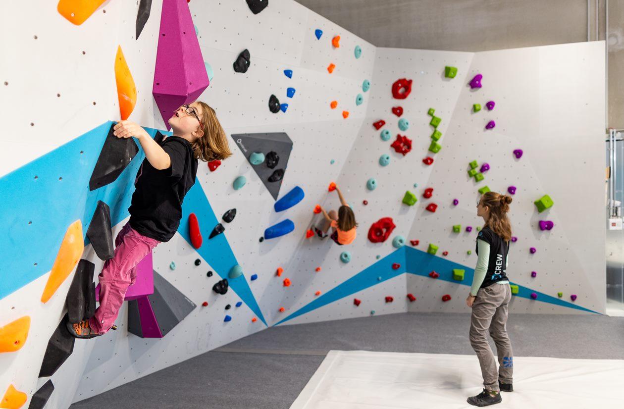 2020-Boulderwelt-München-Süd-Kinder-Kinderwelt-Kids-MixedBereich-Familien-Spaß (9)