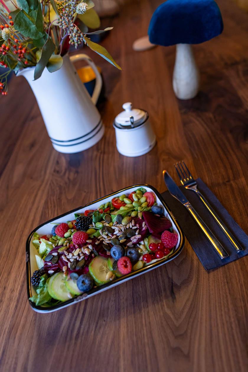 Bouldercafé Bistro Boulder Bowl Salat gesund Essen Verpflegung Boulderwelt München Süd